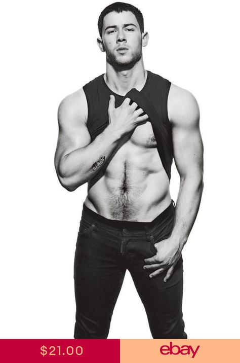 Nick Jonas rocks a black muscle tee and denim jeans as he covers the December 2016 issue of Men's Fitness. The singer and actor talks to the magazine about how… Scruffy Men, Hairy Men, Outfits Casual, Mode Outfits, Casual Clothes, Jonas Brothers, Nick Jonas Photoshoot, Nick Jonas Pictures, Shirtless Men