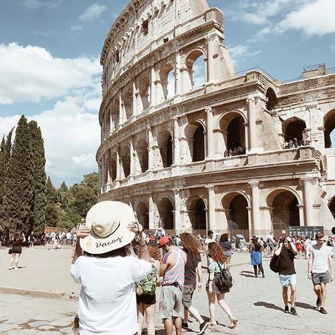 Tried So Hard To Get A Photo With No One In The Background But Didnt Succeed So Heres One Any Way At The Famous Colloseum In Rome With Images London Blogger