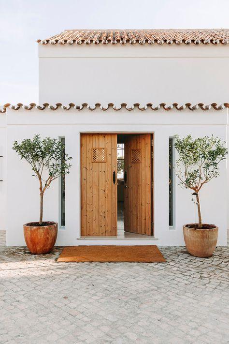 Projetos – Quinta do Mar – White and Kaki
