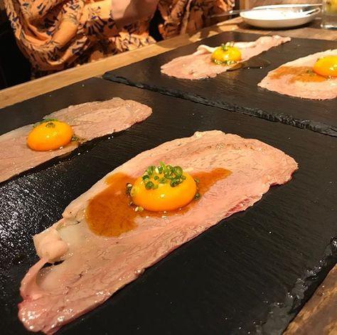 炙りお肉 生卵ポトン なんて贅沢なのでしょう Foodstagram Food
