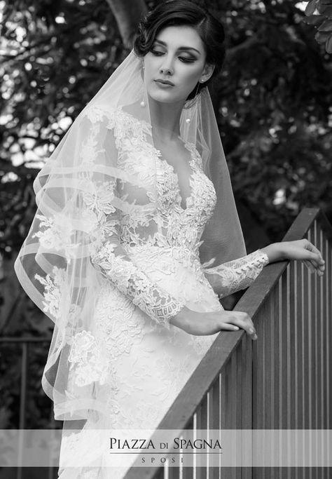 L'eleganza di uno stile unico esalta il tanto amato effetto tatuaggio in questo modello della #collezione2017 di #NadiaOrlando. Guarda tutti i suoi abiti da #sposa su http://www.piazzadispagnasposi.it/collezioni/sposa/nadia-orlando-2017/