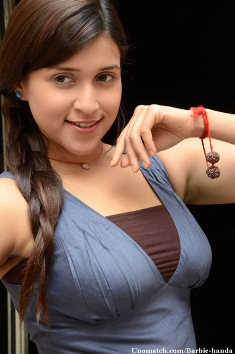 Mannara (previously known as Barbie Handa(also, Bharbyee Handa) , is an Indian actress, and the cousin of actresses Priyanka Chopra, Meera Chopra and Parineeti Chopra. She made her Bollywood debut in Anubhav Sinha's erotic thriller Zid. like : http://www.Unomatch.com/Barbie-handa/