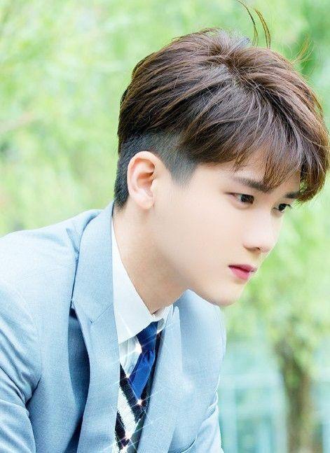 Pin By Celebrity World On Dylan Xiong Soooo Handsome Cute Pretty Men Chines Drama Konan