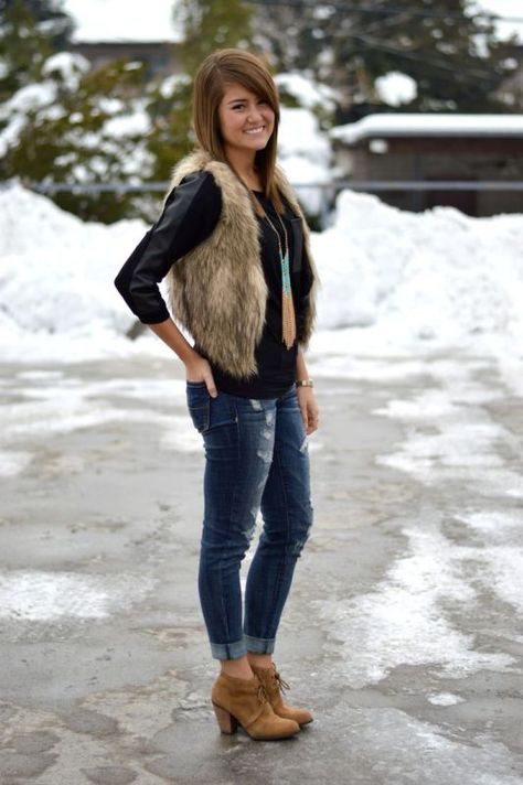 SHOES, and vest casual outfit. I don't know why but I kinda dig the fur vest and love the cuff jeans with the booties Fur Vest Outfits, Casual Outfits, Western Outfits, Fall Winter Outfits, Autumn Winter Fashion, Winter Clothes, Looks Style, Style Me, Moda Boho