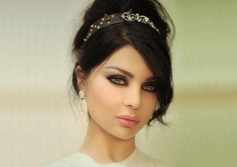 Dünnes Arabisches Mädchen