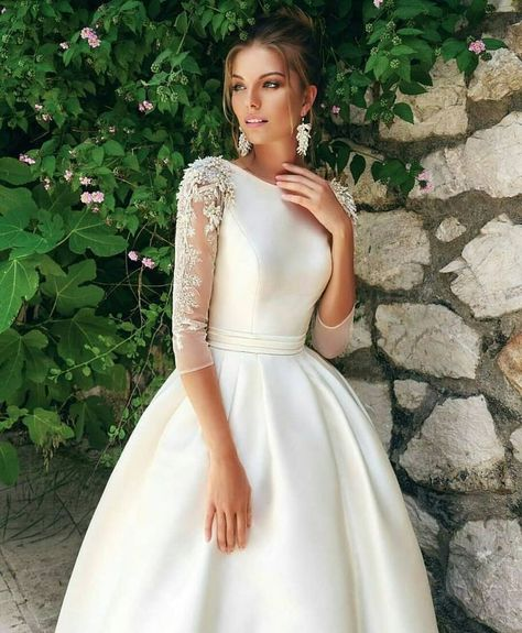 377becd6420cf 25 Wedding Dresses with Long Sleeves for Every Bride to Stand Out ...