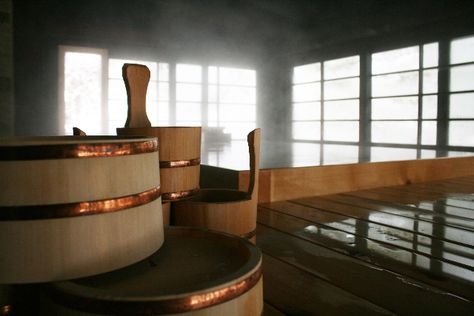 Japanese bath at home. How great would that be!