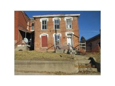 Cheap 4 500 Home For Sale Located At Isadore St Saint Joseph Mo 64501 Saint Joseph Mo 64501 Buchanan County Cheap Houses For Sale St Joseph Cheap Houses