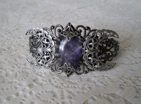 Amethyst Triple Moon Goddess Cuff Bracelet, wiccan jewelry pagan jewelry wicca jewelry witch celtic druid new age witchcraft mystic magic by Sheekydoodle on Etsy Wiccan Jewelry, Gothic Jewelry, Wiccan Clothing, Filigree Jewelry, Silver Filigree, Silver Jewelry, Celtic Druids, Body Jewelry, Jewelry Box
