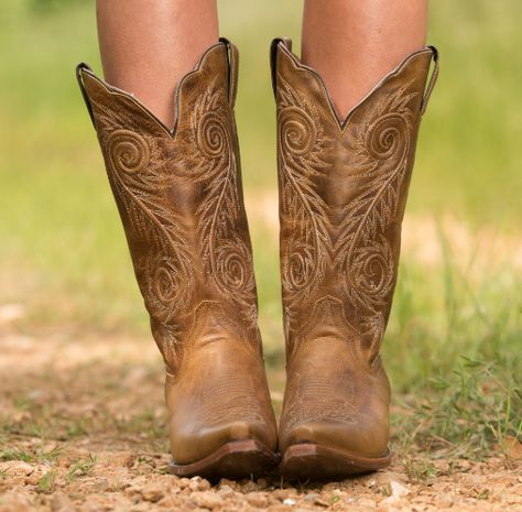 Justin Women's Tan Damiana Boot - L4332   http://www.countryoutfitter.com/products/28961-womens-tan-damiana-boot-l4332?lhs=u_p_p_n_a&lhb=CO&lhc=womens_boots&lhg=justin_l4332&utm_source=pinterest&utm_medium=social