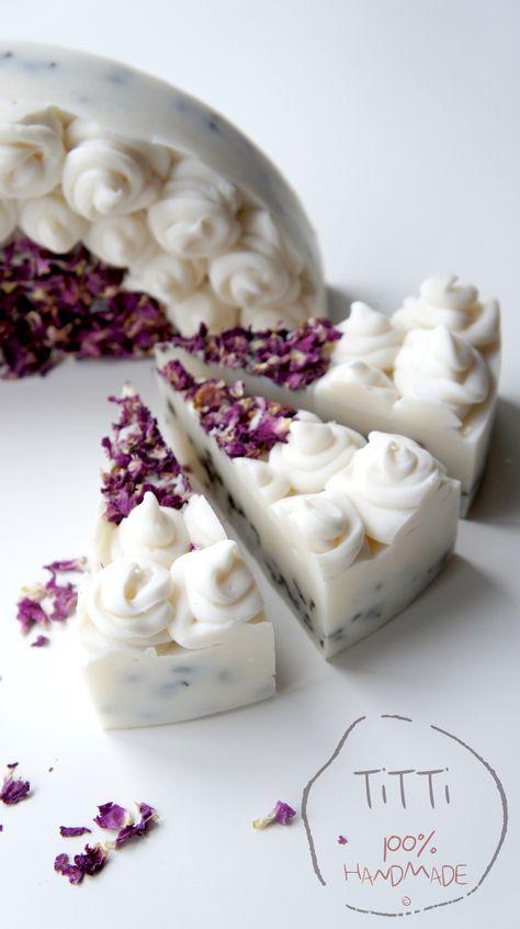 Beautiful. Looks like a cheesecake... Now I want to make lemon and lavender cheesecake... yum