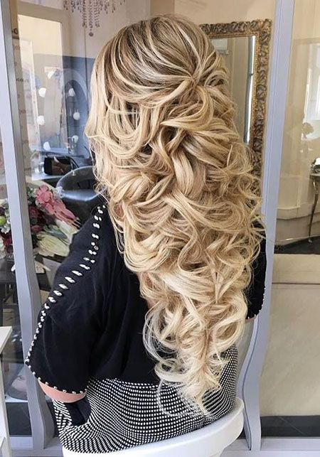 20 Long Curly Wedding Hairstyles 2018 2019 Curly Hairstyles Wedding Long Bridal Hair Hair Styles Curly Wedding Hair