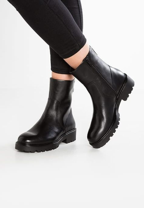 d315e90ee4 Vagabond KENOVA - Platform boots - black for £114.99 (28 09 17) with free  delivery at Zalando