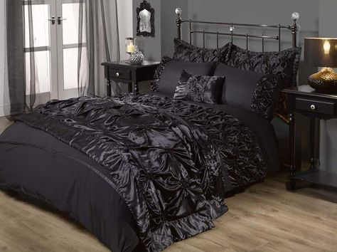Dramatic Bedding Google Search Gothic Bedroom Gothic Bed