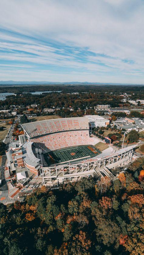Memorial Stadium - University of Clemson Clemson Wallpaper, Football Wallpaper, World Football, Football Stadiums, Clemson Football Stadium, College Football Games, Liberty University, Auburn University, Ivy University