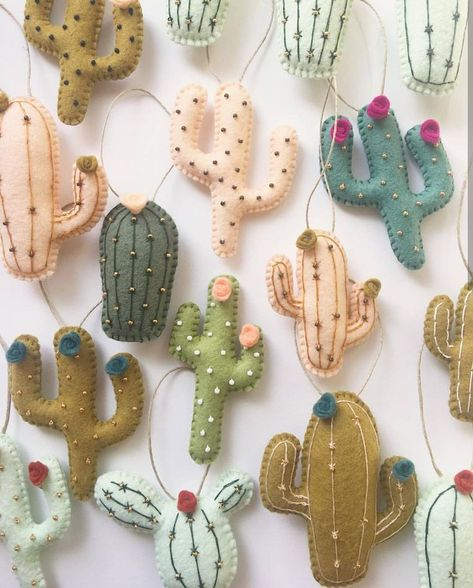 cactus craft Learn how to make these adorable felt DIY Christmas Stockings. They are simple to make and are sure to add color and fun to your Holiday decor this year. Felt Diy, Felt Crafts, Fabric Crafts, Sewing Crafts, Sewing Projects, Craft Projects, Christmas Stockings, Christmas Crafts, Christmas Tree