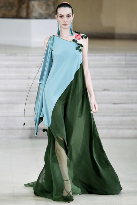 Alexis Mabille Spring 2011 Couture Fashion Show Collection: See the complete Alexis Mabille Spring 2011 Couture collection. Look 11