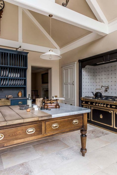 country house decor Country House Kitchens and the English Country House Country House Interior, Country House Plans, Interior Design Kitchen, Kitchen Decor, Country House Design, Bedroom Country, English Country Kitchens, English Country Decor, French Kitchens