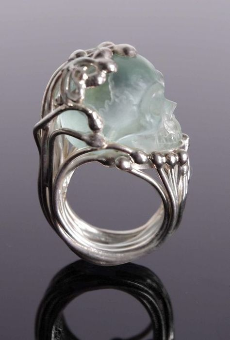 Mademoizelle Sefra jewelry Ring in 925 silver Skull is hand carved in crystal