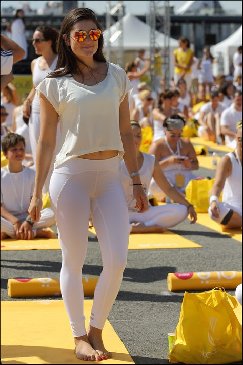 Pickcher yoga pants sex