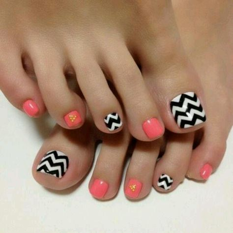 Uñaa de los pies - fun and pretty! #vevelicious #pedicure