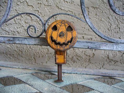 Rare 1920's Vintage Halloween Tin Noisemaker Sparkler Toy JOL Wind-Up Chein USA