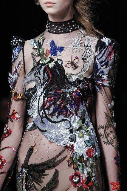 Alexander McQueen - Autumn/Winter 2016-17 | Ready-To-Wear