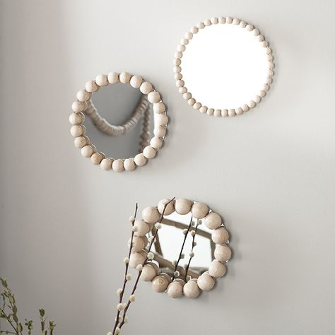 30 Fairly DIY Mirror Ornament Concepts What is Decoration? Decoration may be the art of decorating the inside and exterior … Hippie Home Decor, Diy Home Decor, Diy Mirror Decor, Mirror Ideas, Mirror Ornaments, Boho Diy, Wooden Beads, Home Crafts, Decoration