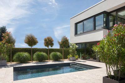 Moderner Garten Mit Pool Gebaut Von Rudolph Garten Und Landschaftsbau Gmbh Rudolph Garten Und Landschaftsbau Gmb In 2021 Pool Im Garten Gartenpools Moderner Garten