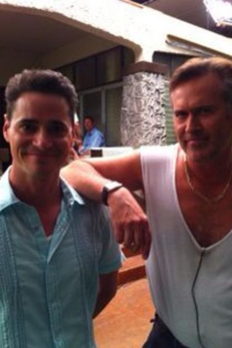 Seth Peterson & Bruce Campbell on the set of Burn Notice