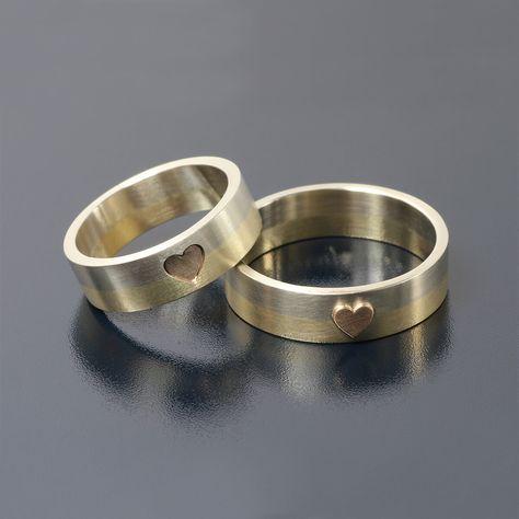 Obrączki z trzech kolorów złota, połączone sercem. Takie cuda tylko na www.inneobraczki.pl <3