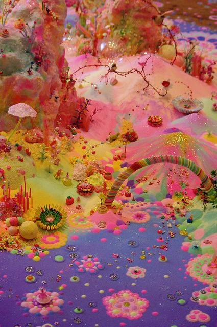 Smiths Row Bury St Edmunds Pip & Pop – Tanya Schultz and Nicole Andrijevic, an Australian art duo coloured sugar and cake decorations. Instalation Art, Indie Kids, All I Ever Wanted, Australian Art, Psychedelic Art, Fantasy World, Aesthetic Pictures, Wall Collage, Trippy