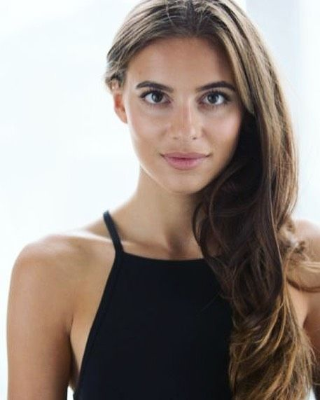 10 Fun Facts About Nadia Parkes, Tom Holland's Dating Partner in 2021   Tom  holland, British actresses, Fun facts