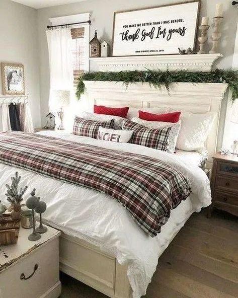 Inspiring Christmas Bedroom Decorating Ideas #christmasbedroomdecorating #christmasdecorationideas #bedroomdecoratingideas » Beneconnoi.com