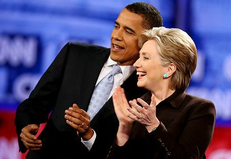 """Probablemente Hillary Clinton se convierta en la candidata demócrata para suceder a Barack Obama. Muchos demócratas simplemente quieren una """"mujer"""" de presidenta, y Hillary es la más conocida en política, aunque de ninguna manera la mejor calificada."""