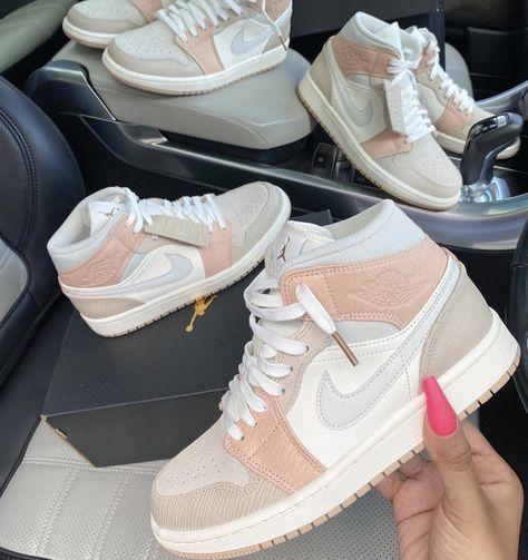 Jordan Shoes Girls, Girls Shoes, Nike Jordan Shoes, Baby Jordan Outfits, Teen Shoes, Cheap Jordan Shoes, Air Jordan Sneakers, Souliers Nike, Nike Shoes Air Force