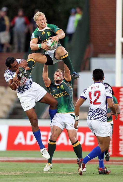 South Africa's Kyle Brown claims a high ball