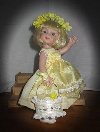 Linda Lenhardt's Flower Girl Ann Estelle: Little Annie is so excited to be flower girl in the wedding.  She thinks she is the star!