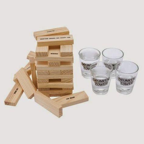 Jenga borracho, un juego para despedidas de soltera. Más información en laprimeradetodas.