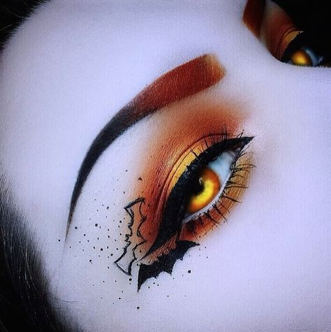 From breaking news and entertainment to sports and politics, get the full story with all the live commentary. Cute Halloween Makeup, Halloween Eyes, Halloween Makeup Looks, Cute Makeup, Gothic Makeup, Fantasy Makeup, Eye Makeup Art, Eyeshadow Makeup, Creative Makeup Looks