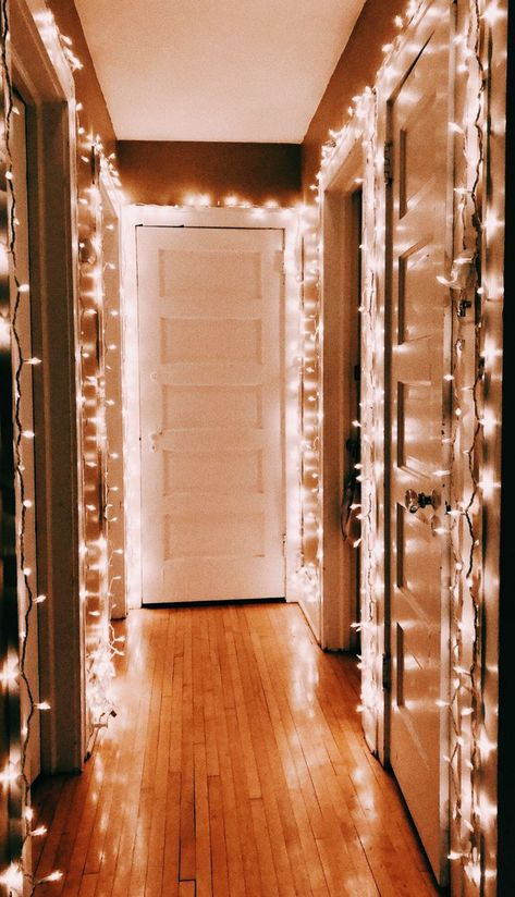 ideas room decor diy winter christmas lights for 2019 My New Room, My Room, Dorm Room, Christmas Bedroom, Christmas Time, Xmas, Christmas Lights Room, Christmas Decorations For The Home Living Rooms, Cabin Christmas