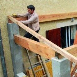 Construire Un Auvent En Bois Sur Poteaux Maconnes Tutoriel Auvent Bois Auvent Auvent Terrasse