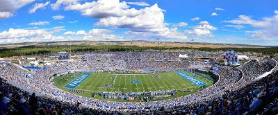 Avalanche Kings Set To Face Off In The 2020 Nhl Stadium Series At U S Air Force Academys Falcon Stadium Stadium Series Air Force Academy Face Off