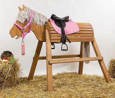 Holzpferd Voltigierpferd Lasurfarbe Kastanie Foto Abgebildet Alle Holzer Sind Gehobelt Innenlie Holzpferd Holzpferd Voltigierpferd Voltigierpferd Holz