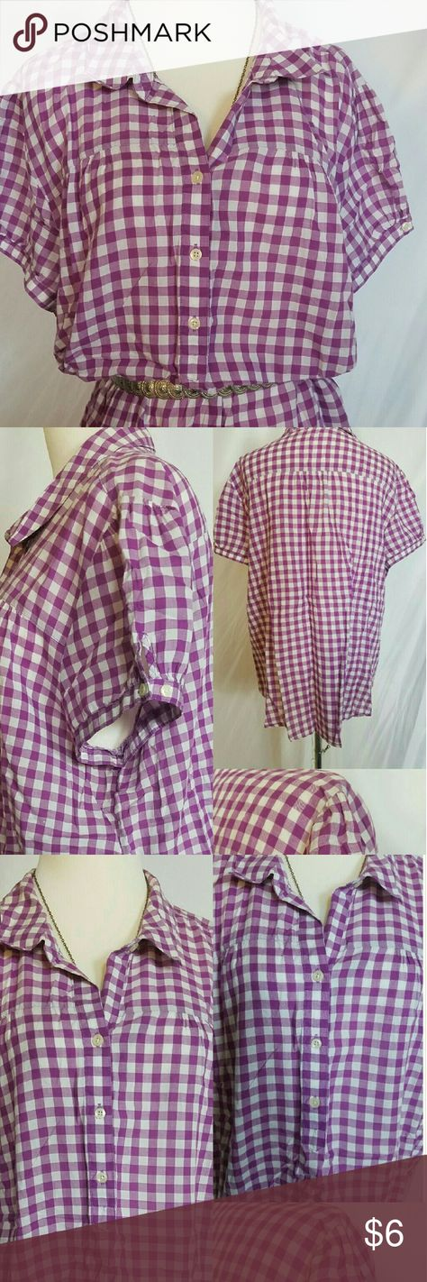 Old navy XXL purple&white checked s/s buttonup #oldnavy #womenssizexxl.  Pit to pit- 25/50.  Top to bottom- 28.  Weight-3.1 oz's.   #purpleandwhitecheckeredshirt #tunic style smock top #shortsleeves #nostretch #gentlyworn #idonotswap  #tinybitofwearingunderthearms #bundleandsave  otherwise in #verygood condition #perfectwithcaprisand flipflopsforthesumme #refabattic #julesplussizeshop #fabulouswithleggings skirtstrousersorjean or #perfectunderacardiganorjacket Old Navy Tops Tunics