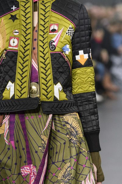 Temperley London, Fall 2018 - The Most Colorful Runway Details From London Fashion Week, Fall 2018 - Photos