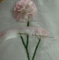 Fita de seda bordado: Tutorial Cravos em Silk Ribbon Embroidery