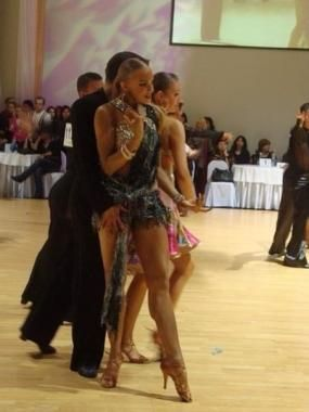 If You Need Wedding Dance Lessons Hire Uliana Maslovskaya She Is Also One Of The Ballroom D Dance Instructor Free Dance Classes Professional Ballroom Dancers