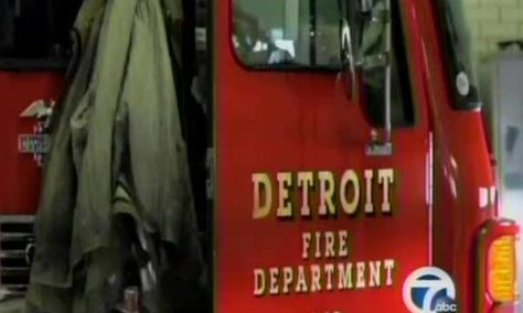 Detroit Engine 23 Squad 3 MI Fire Dept Patch Michigan