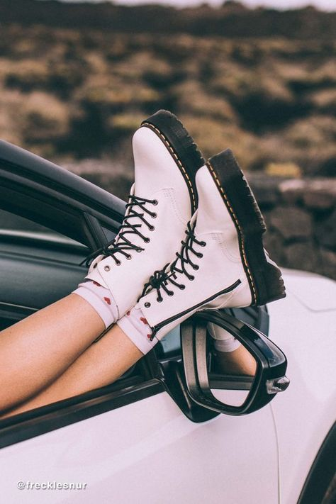 - Women shoes And Boots Doc Martens - Women shoes Casual Fashion Ideas Dr. Martens, Doc Martens Stiefel, Doc Martens Boots, White Doc Martens, Dr Martens Womens Shoes, Doc Martens Fashion, Dr Martens Jadon, Doc Martens Women, Sneakers Mode